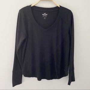 Hollister V-neck Black Soft long Sleeve Sweater